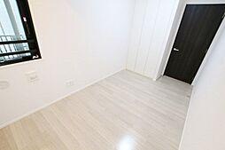 室内一部リフォーム完了済です。角住戸の為窓が多く、採光や換気に優れています。