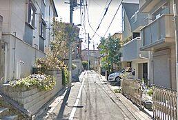 住宅街の中にあり、閑静です。