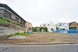 吉祥寺の利便性と緑を享受する邸宅地です。アパート用地や2世帯住宅にも適しています。