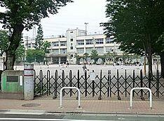 小学校練馬区立 大泉第三小学校まで809m