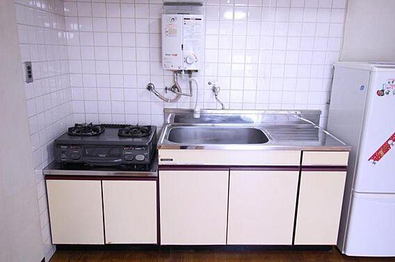キッチンはコン...