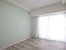 アクセントクロスが華やかな印象の約6.0帖洋室 家具・備品等は価格に含まれます。,4LDK,面積93.31m2,価格1,580万円,高松琴平電気鉄道琴平線 三条駅 徒歩13分,,香川県高松市三条町