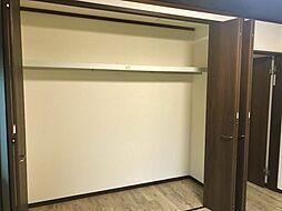 収納完備でお部屋を広く使用できます