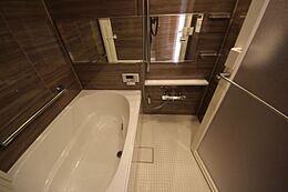 ユニットバス新規交換・浴室換気乾燥機付き