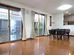 リビングは広々20帖家具を置いてもゆとりある空間です。(2018年9月14日撮影)