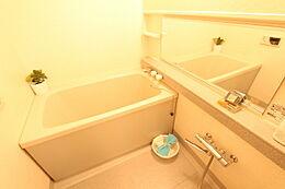 浴室も一部新規交換済でたいへんきれいです
