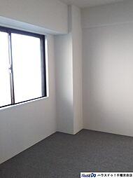 北東側洋室