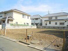 閑静な住宅街、日当たり良好。敷地面積44坪以上、整形地 全2区画。