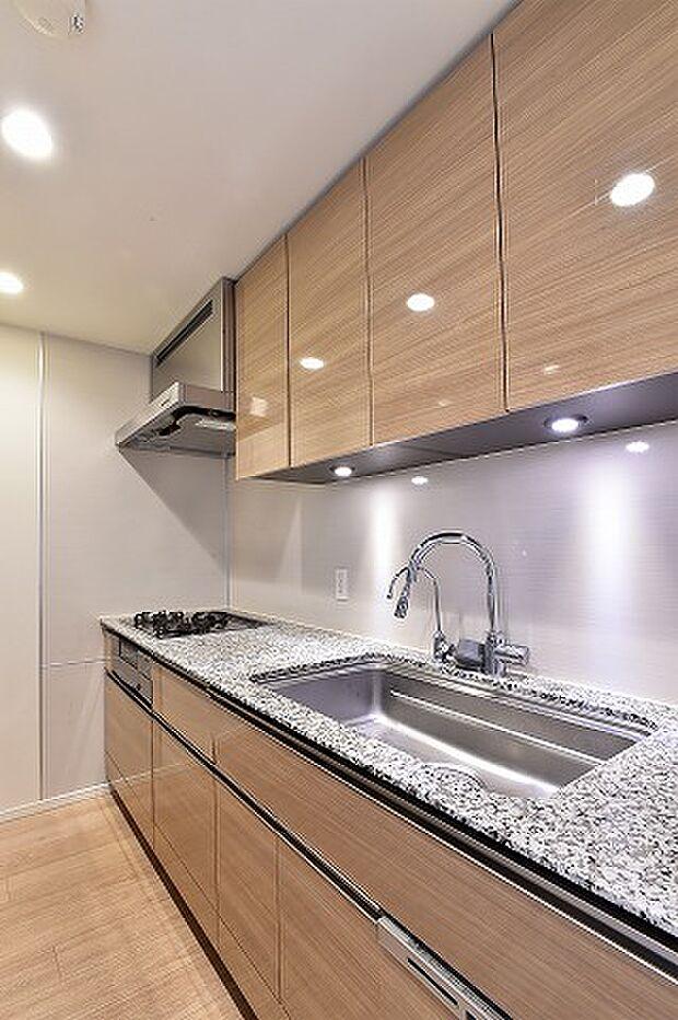 キッチン約3.2帖/3口コンロ・食洗器付き・ディスポーザー