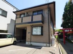 JR奥羽本線 秋田駅 バス5分 大町5丁目下車 徒歩2分の賃貸アパート